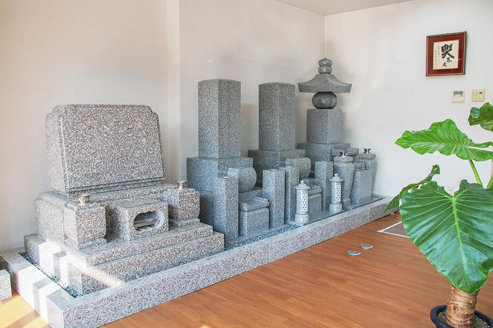清風社京都店の墓石